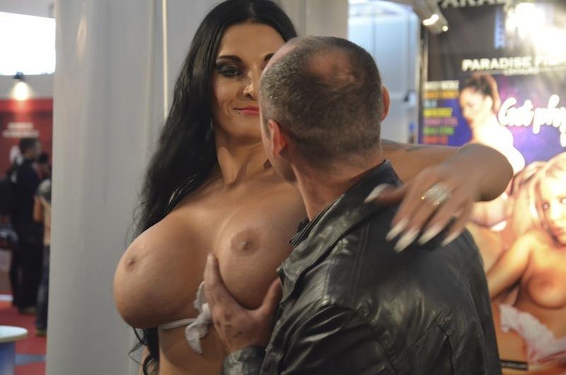 Brüste werden getestet Venus